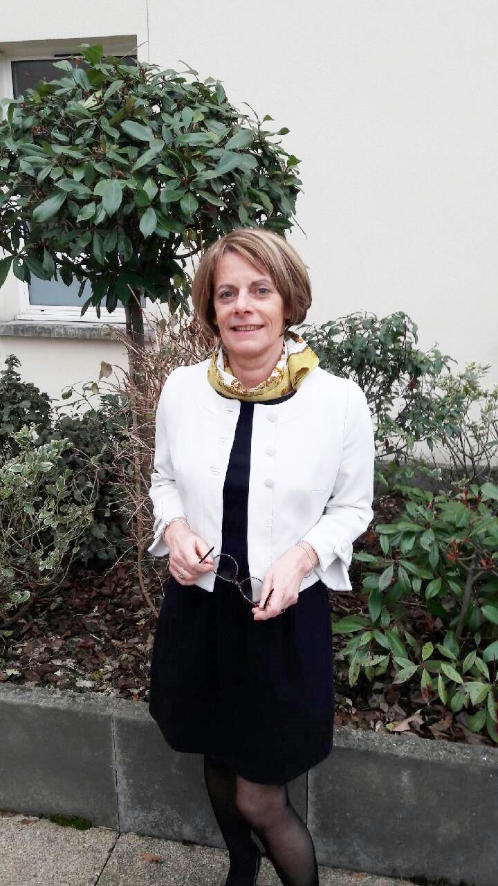 <BR/><H2>Madame Christine Dornic<br/>Directrice des Etablissements<h2/>