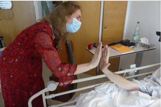 Claire Oppert, une violoncelliste au chevet des patients en fin de vie- émission sur France Musique
