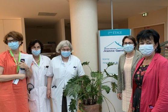 Corinne Imbert et Michelle Meunier, sénatrices,  à la rencontre des soignants de la Maison Médicale